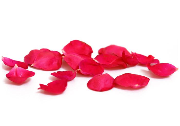 La regina degli oli essenziali la rosa